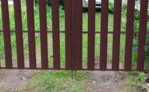 Распашные ворота из евроштакетника