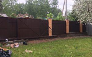 Забор и откатные ворота из профнатила