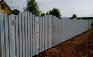 Забор из Евроштакетника аркой